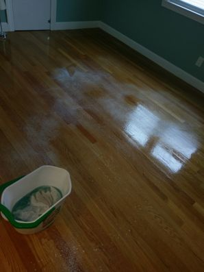 Before & After House Cleaning (Window Cleaning, Floor Cleaning) in Reading, MA (4)