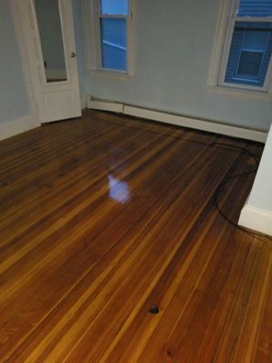 Woburn, MA House Cleaning - AFTER: Bathroom, Windows & Floors (1)