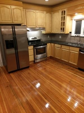 Woburn, MA House Cleaning - AFTER: Kitchen, Appliances & Floors (1)