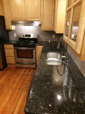 Woburn, MA House Cleaning - AFTER: Kitchen, Appliances & Floors (5)